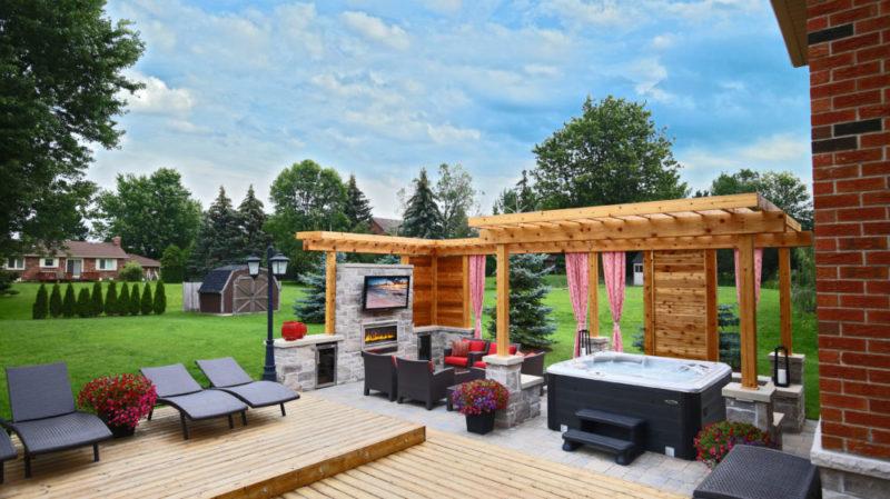 outdoor hottub room
